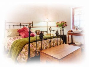 historic-accommodation, brass-bed, country-getaway